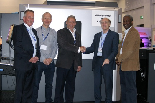 Michael Burman, Managing Director, F.E. Burman confirms the sale of the HP Indigo 10000 Digital Press at the Dscoop EMEA conference 2015